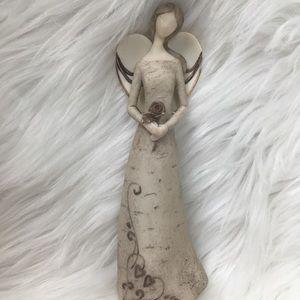 Angel Figurine, elegant and delicate, EUC.